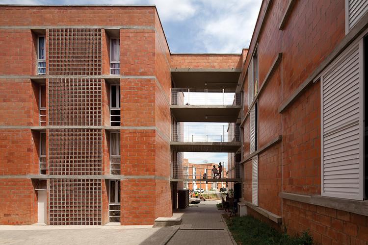 Urbanização do Jardim Vicentina / Vigliecca Associados. Imagem © Leonardo Finotti