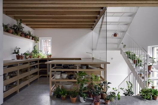 NMBHD, 1 Plex 3 Noses House / Studio Jean Verville architectes