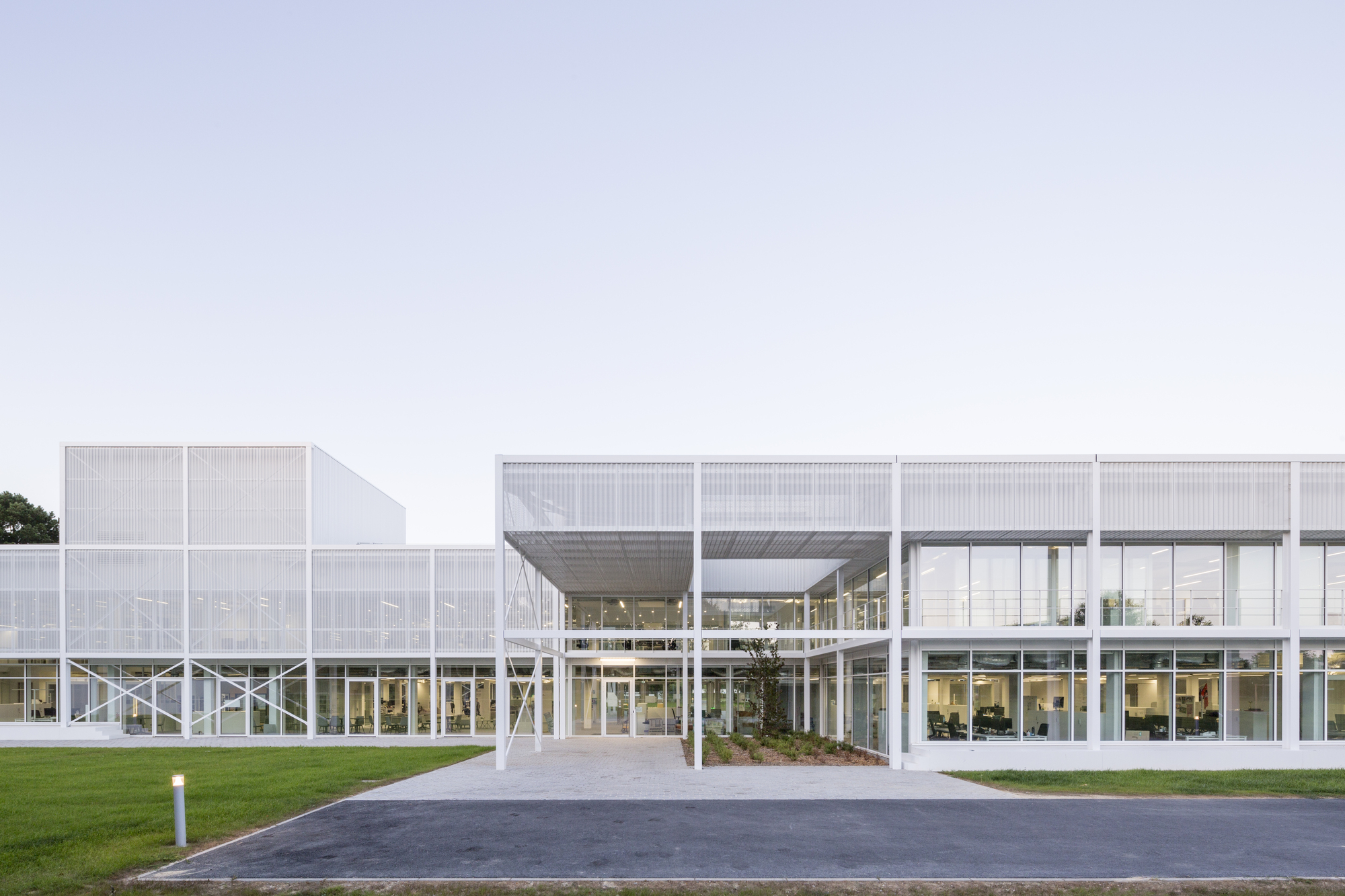 Office buildings architecture and design | ArchDaily
