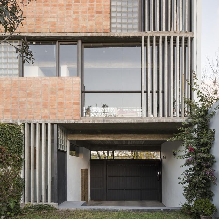 Pode existir boa arquitetura sem modulação?, Casa 47 / Reimers Risso Arquitectura. Image © Fernando Schapochnik