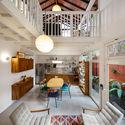 Madalena Villa House / Gui Paoliello Architects.  Image: © Manuel Sá