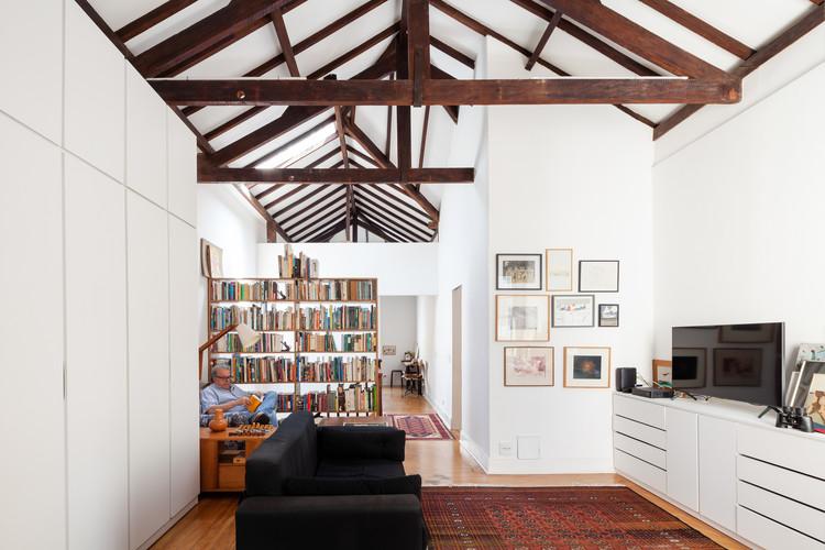 Home Renovation in the Bixiga / Marcus Lima Neighborhood Arquitetura e Urbanismo.  Image: © Pedro Vannucchi
