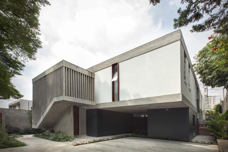 AM House / COA Associates.  Image: © Cassio Oba
