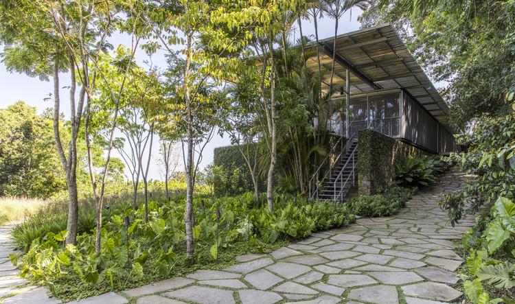 ABV / Andrade Morettin Arquitetos Associados home.  Image: © Maíra Acayaba