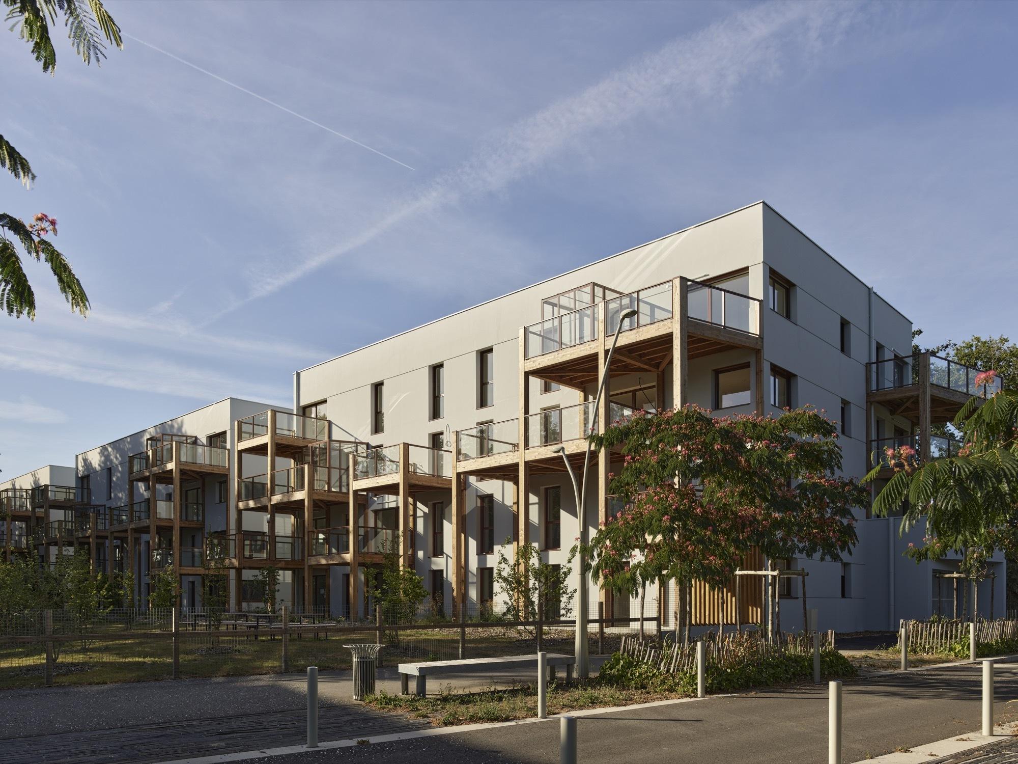 45 Housing Units in Nantes / a/LTA