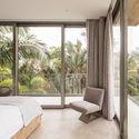 StudioSaxe Courtyard 18 - The Courtyard House: Biệt thự 400m2 hiện đại không gian mở ấn tượng