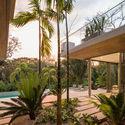 StudioSaxe Courtyard 41 - The Courtyard House: Biệt thự 400m2 hiện đại không gian mở ấn tượng