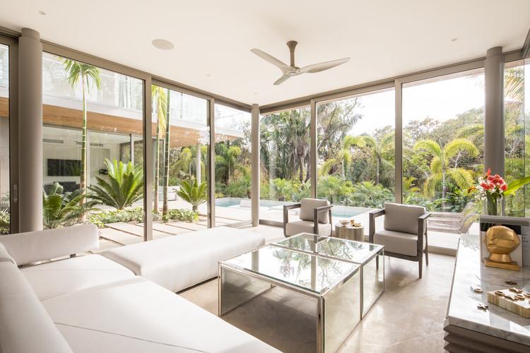 StudioSaxe Courtyard 12 - The Courtyard House: Biệt thự 400m2 hiện đại không gian mở ấn tượng