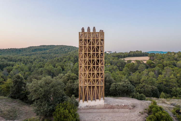 Recovery of Merola's Tower / Carles Enrich Studio. Image © Adrià Goula