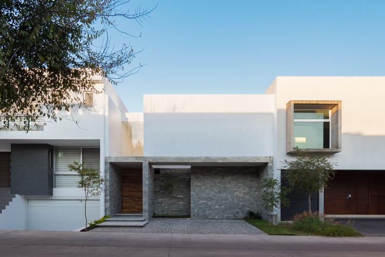 Casa Solares / TALLER 1+1 + Fernanda Mejía, © Alexis Herrera