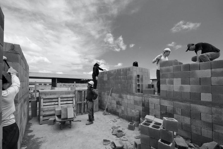 Processo de obra Sede para uma Fábrica de Blocos   Avaré, 2016. Foto © Vão