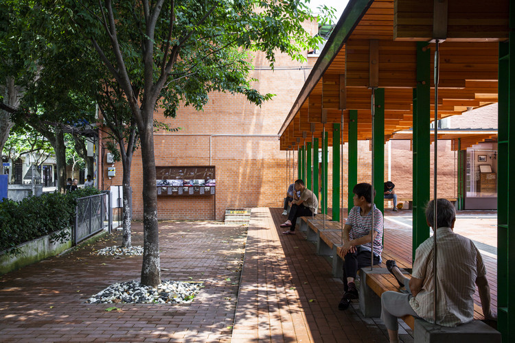 Pocket Plaza / Atelier Archmixing, Public space for residents and the public. Image © Pingnan Chen