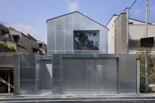 House in Higashi-Gotanda / CASE-REAL