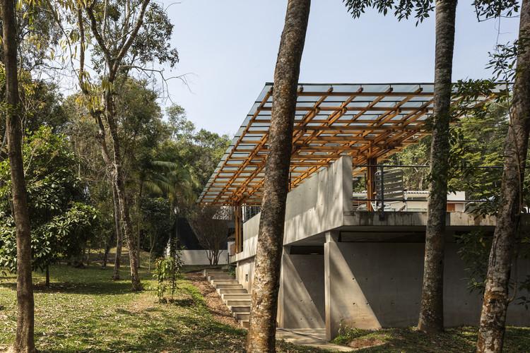 Ibiuna House / Metro Arquitetos Associados, © Leonardo Finotti