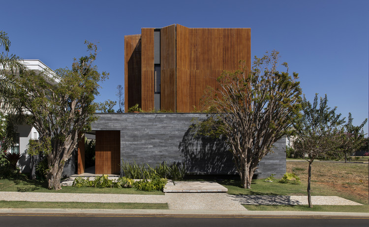 Casa das jabuticabeiras  / mf+arquitetos, © Felipe Araújo