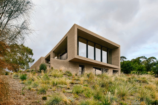 House at Otago Bay / Topology Studio