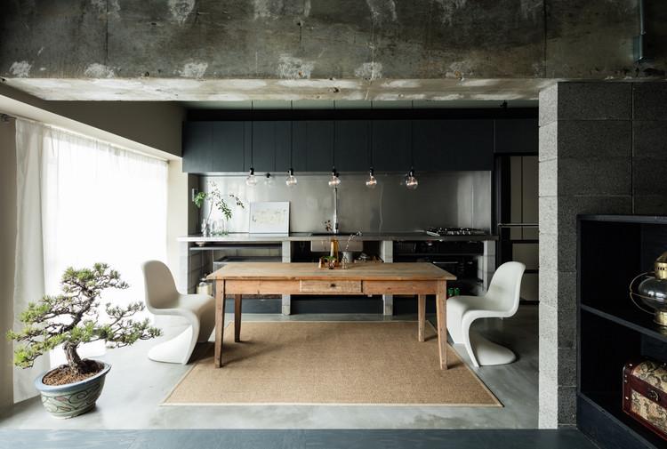 Vivienda con muro de bloques de hormigón / Asano - Izue Architect Office, © Yohei Sasakura