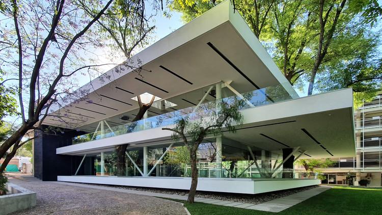 Centro fitness Club Campestre Aguascalientes / Bassol Arquitectos + Canocanela Arquitectura, © Freeman Cano