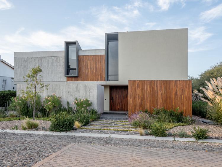 Casa GP / Plataforma de Arquitectura, Cortesía de Hector Hernandez Villegas