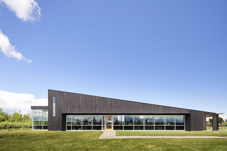 Lakeview Wine Co. Retail & Tasting Pavilion / Thier+Curran Architects, © doublespace photography