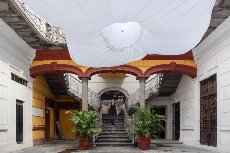 14 instalaciones efímeras intervienen patios históricos en Puebla, México, Libertad /Germán Velasco Arquitectos+Pablo Kobayashi+Llano de la Torre. Image © Amy Bello