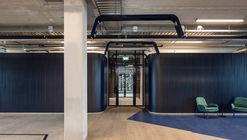 The New Hybrid Workplace Blauw Gras HQ / Barde + vanVoltt