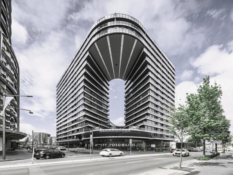 Infinity Residential Building  / Koichi Takada Architects, © Tom Ferguson