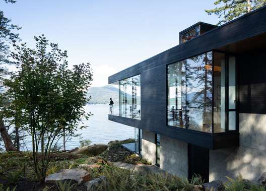 Bowen Island House / Office Of Mcfarlane Biggar Architects + Designers Inc.