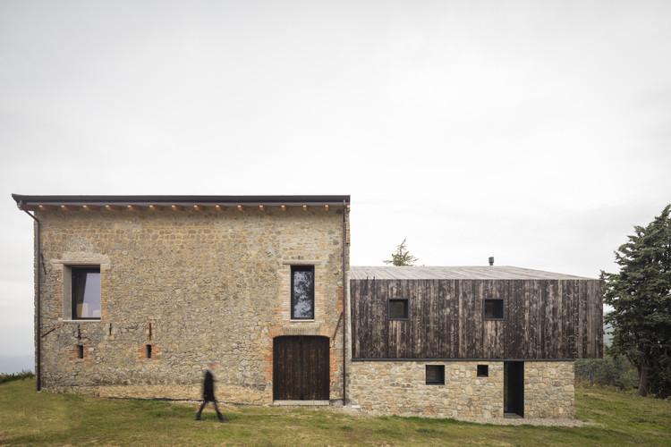 Ca' Inua House Renovation  / Ciclostile Architettura, © Fabio Mantovani