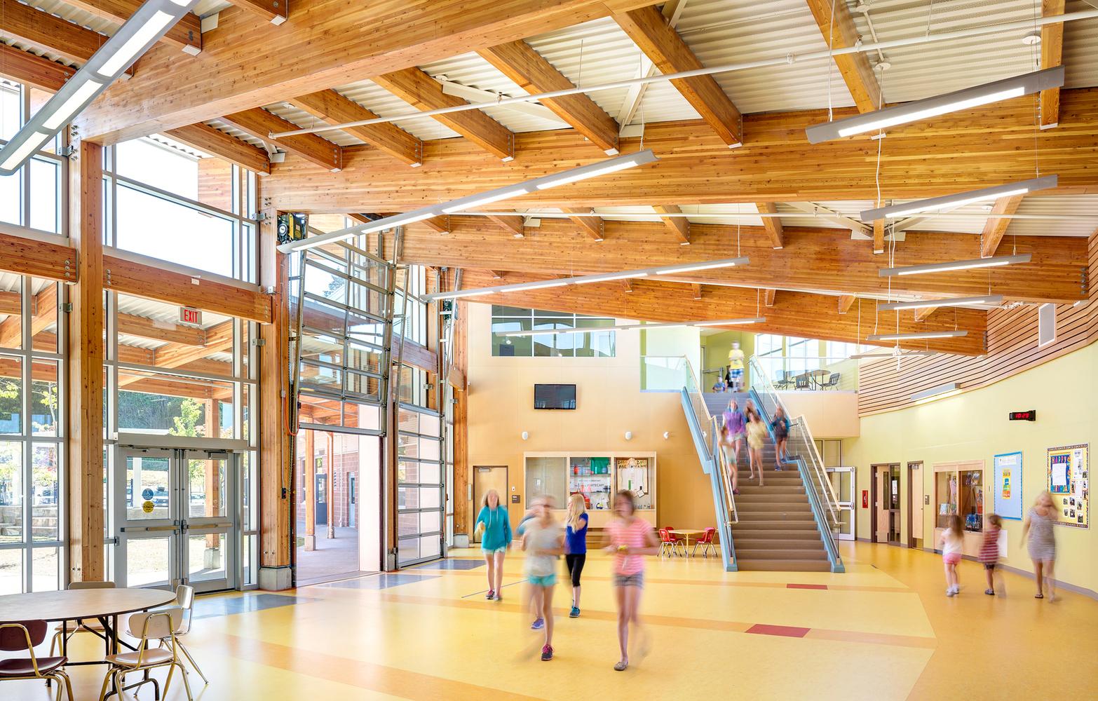 Por qué la madera es un material efectivo para la construcción de escuelas,Westview Elementary School / KMBR Architects. Image © Ed White Photographics. Courtesy of naturally:wood