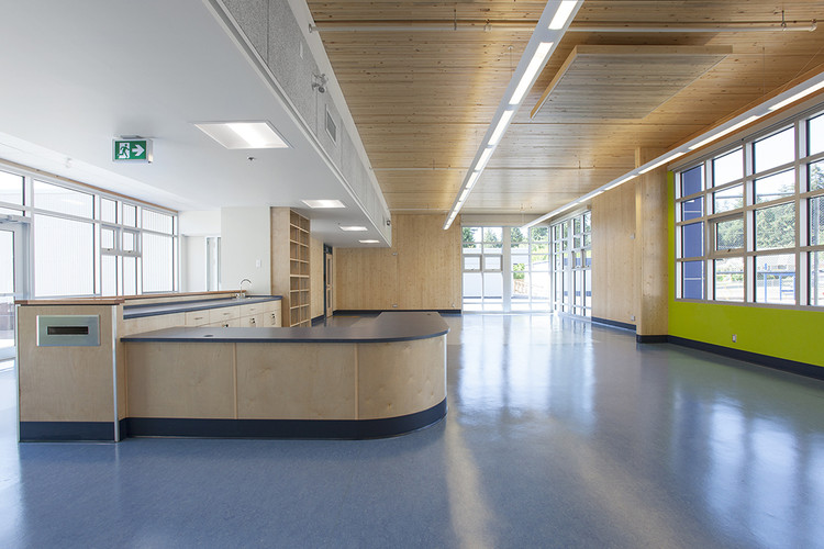 Cordova Bay Elementary School. Image © krista jahnke photography. Courtesy of naturally:wood