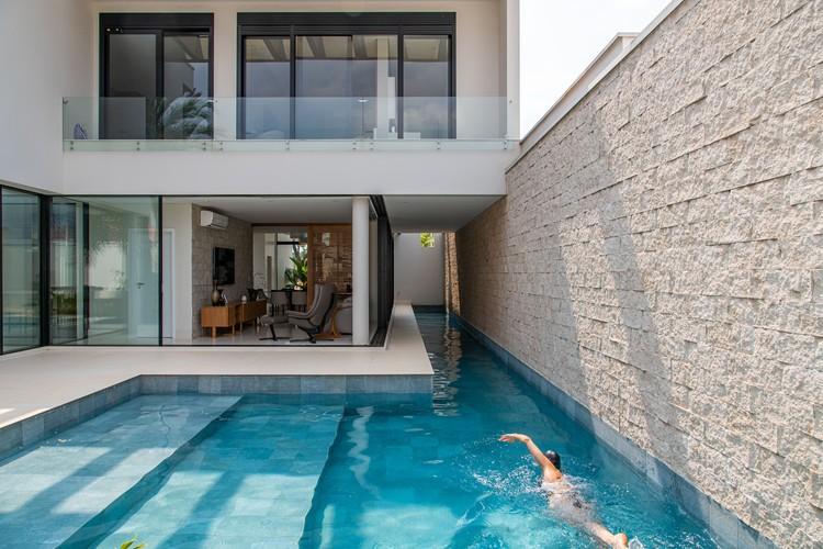 Casa de un triatleta / Paola Cimarelli Landgraf Arquitetura, © Favaro Jr.