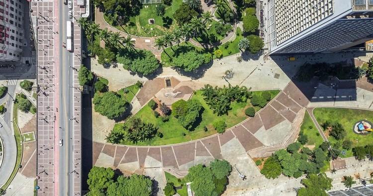 Vale do Anhangabaú: multiplicidade do espaço no imaginário, Imagem do projeto vencedor de 1981 do Vale do Anhangabaú. Foto: Bruno Niz, 2019
