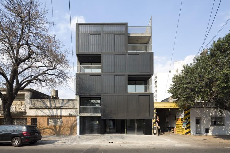 Complejo de viviendas híbridas Pichincha / 3dF desarrollos, © Javier Agustin Rojas