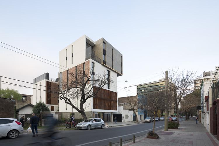Edificio Apilado [SnJ] / 3dF desarrollos, © Javier Agustin Rojas