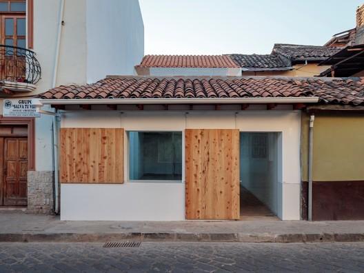 Downtown Restaurant / Iván Quizhpe Arquitectos