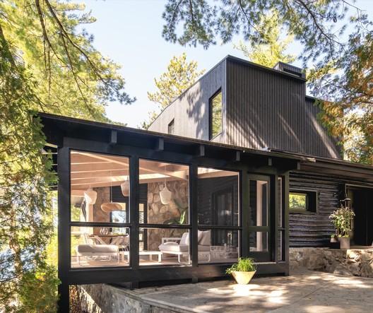 Cottage on the Point / Paul Bernier Architecte