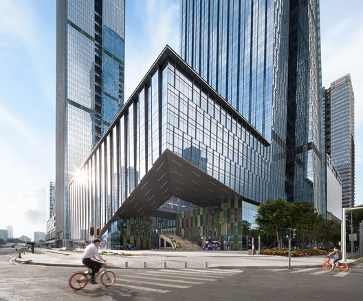B-TECH Towers  / TSK Architects + Huayi Design