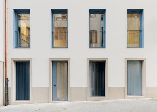 Public Housing Vilar 5 / Müller.Feijoo
