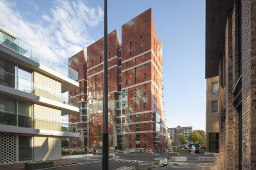 The George Residential Building / Dok Architecten