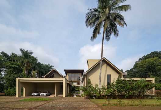 Wayanad House / Khosla Associates