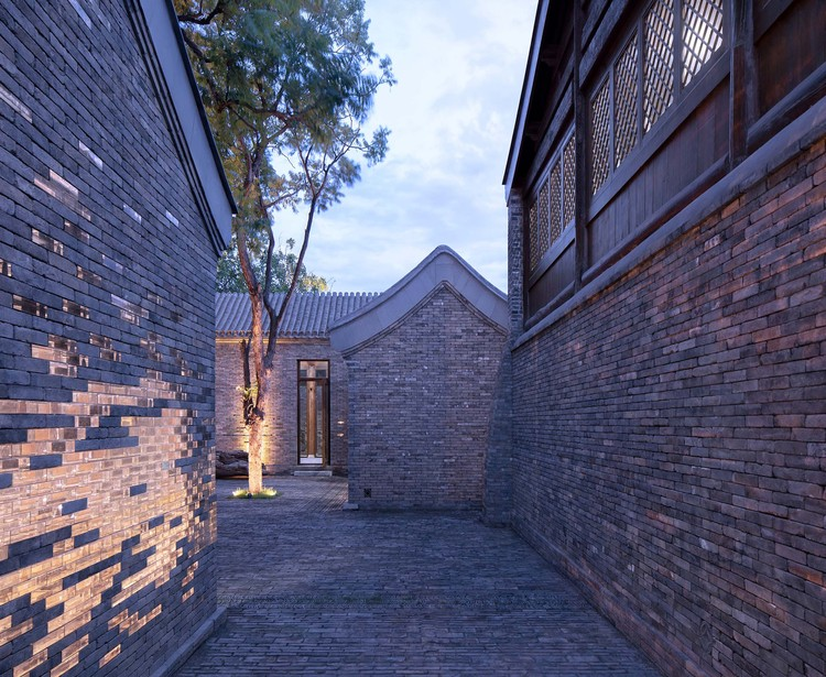 Chinese Opera Base in the Qingyun Hutong / Origin Architect, © Zhi Xia