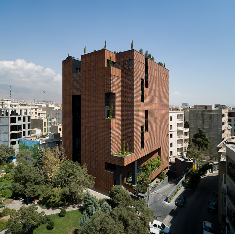 Sharif Office Building / Hooba Design, © Mohammad Hassan Ettefagh
