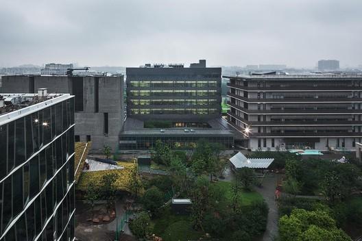 Masterplan and the Laboratory Building, Novartis Shanghai Campus / Atelier FCJZ