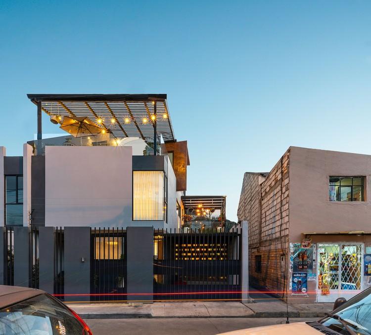 Casas del sol y la lluvia / Ruptura Morlaca Arquitectura, © Oscar Moscoso