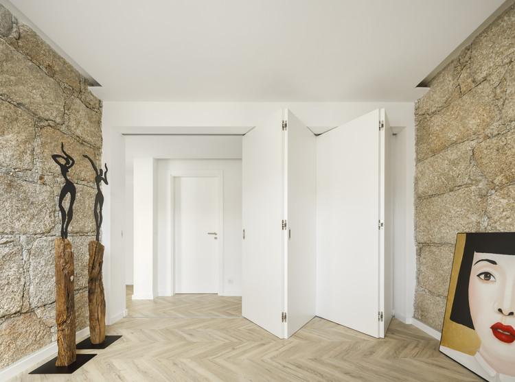InStone Apartment / Atelier DRK, © Ivo Tavares Studio
