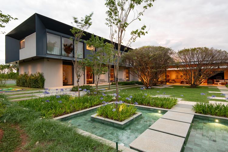Casa JJJ Baroneza / Gálvez & Márton Arquitetura, © Favaro Jr.