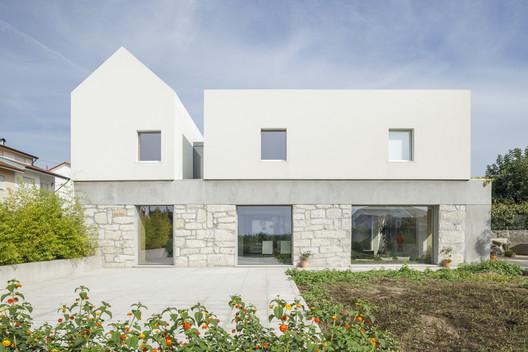 Rio House / PAULO MERLINI architects