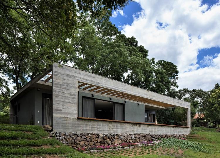 Casa São Pedro / Íntegra Studio Arquitetura, © Marcelo Donadussi