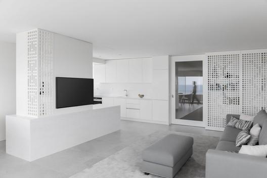 São Felix Apartment / Paulo Moreira Architectures